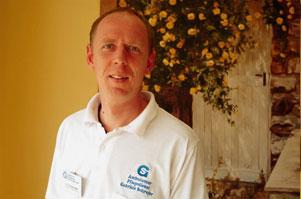 Erik Zimmermann Examinierter Altenpflegerin seit 2005 abgeschlossene Weiterbildung zur Pflegedienstleitung 2010